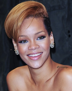 [Rihanna+Short+Bob+haircut.jpg]