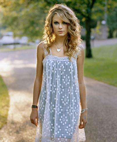 Taylor Swift on Style It Girl  How To Steal Taylor Swift S Style