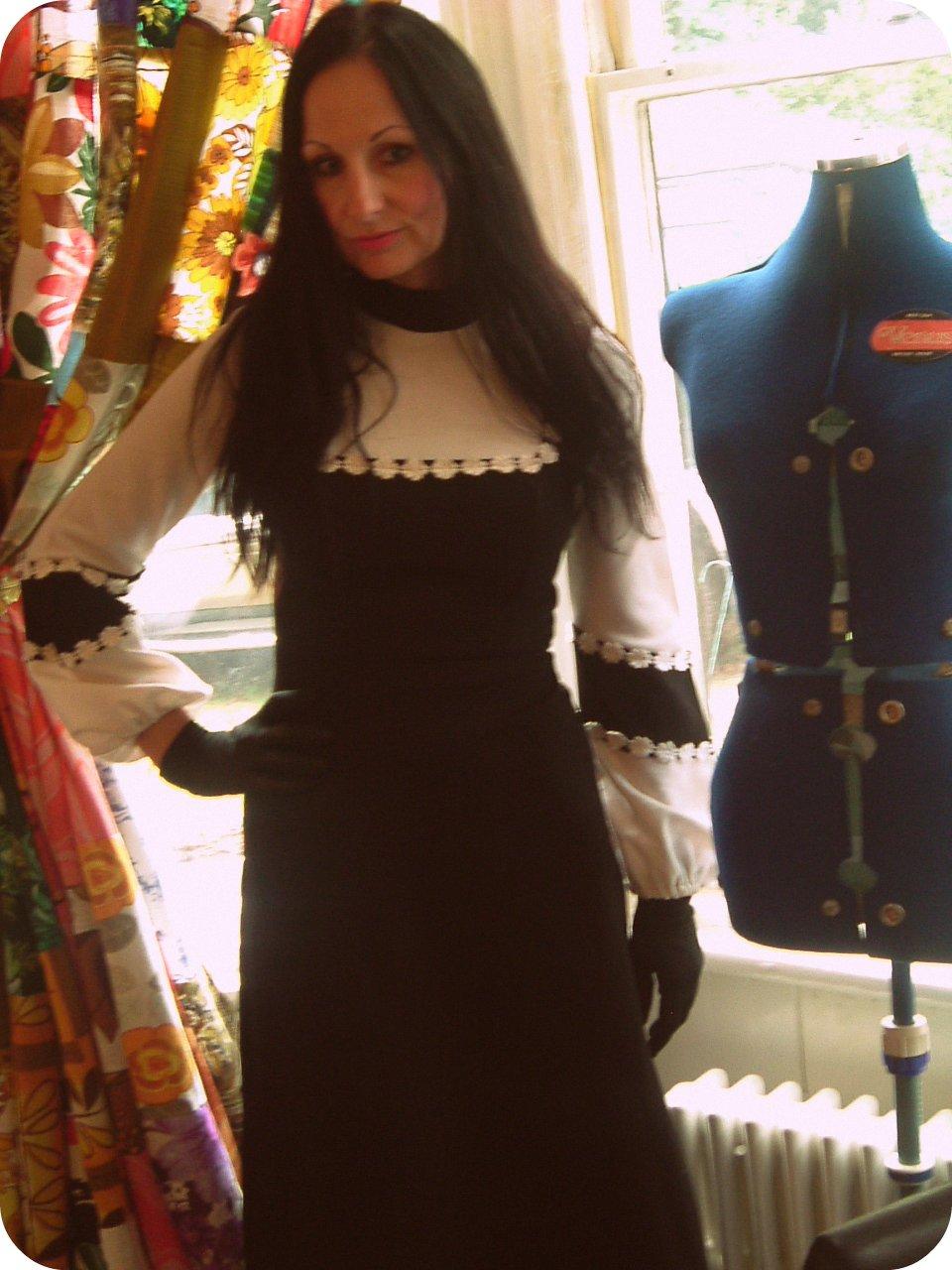 Vintage Vixen: 09/2010