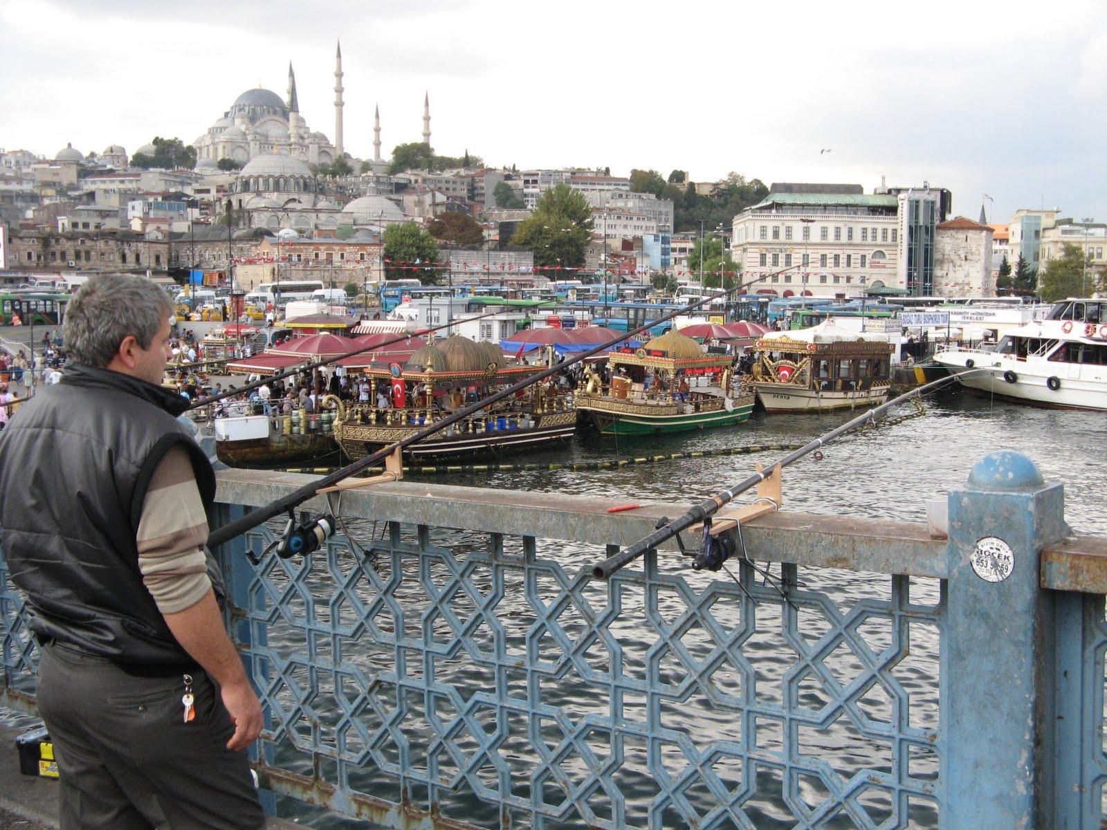 http://4.bp.blogspot.com/_y8_V5zmn7Z8/TKuINf8R2EI/AAAAAAAAAkA/toebW54PM7g/s1600/istanbul+028.JPG