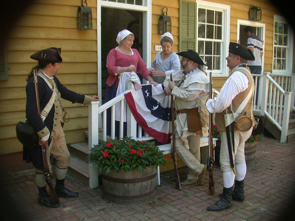 role of woman during the revolutionary war Woman at that time were not given as much status as they are given today marriage and motherhood were their primary goals for the war, they mostly sewed uniforms for the soldiers some women.