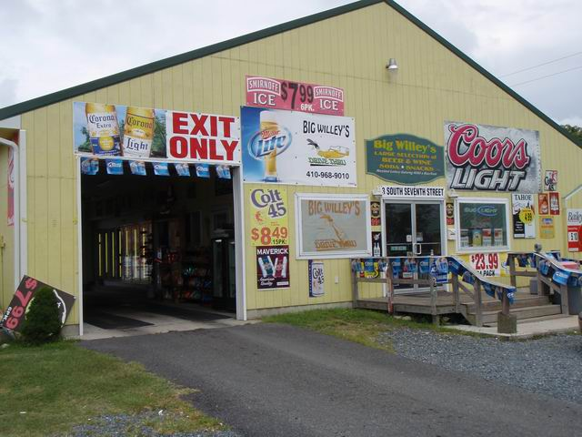 [Resize+of+Crisfield+Drivethrough+Liquor+Store,jpg]