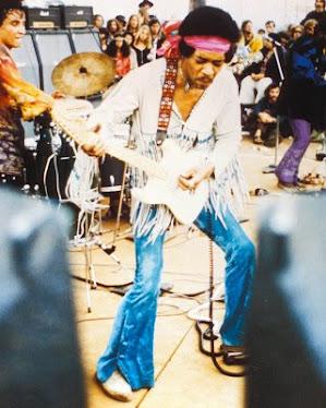 Jesus nacio en Belen , Jimi Hendrix en Seattle