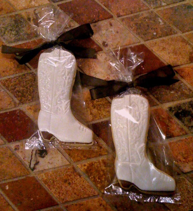 would also make wonderful favors for a western themed wedding shower