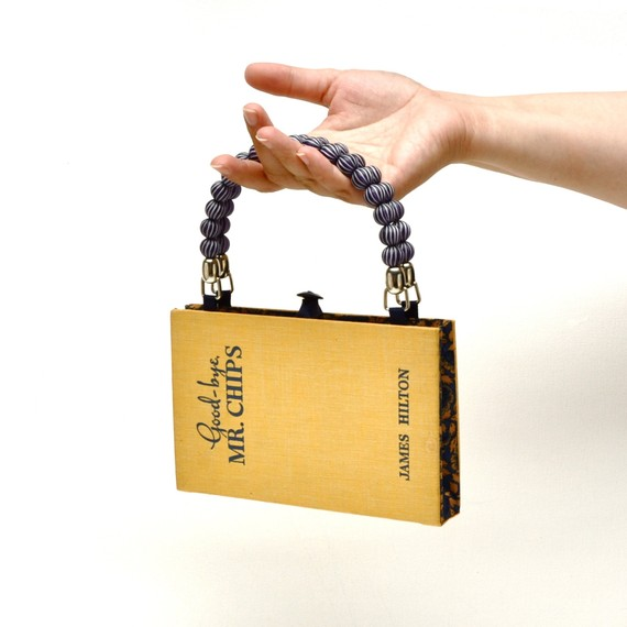 how to make a clutch out of a book