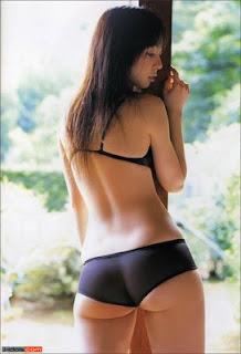 Japanese girl Rina Akiyama sexy pictures
