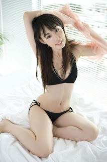 Rina Akiyama hot and sexy photo gallery
