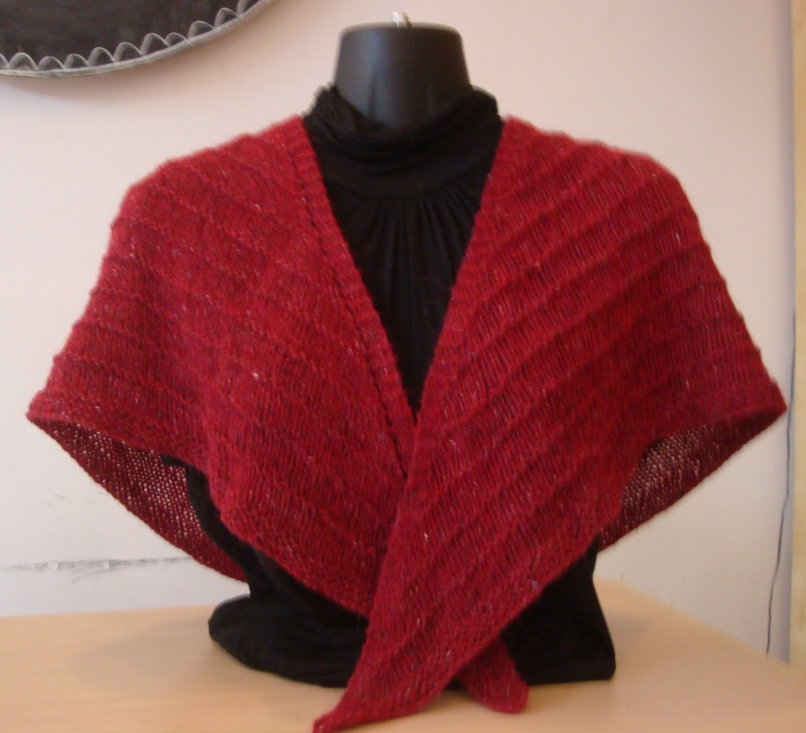 Shawl Knitting Pattern : Triangle Shawl Free Pattern   Design Patterns