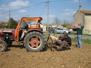 Les planteurs de patates plantation du printemps 2009 - Planter des patates ...