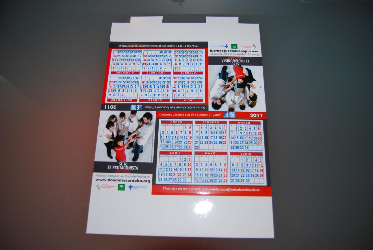 Dise o gr fico calendarios de mesa y de bolsillo for Mesa diseno grafico