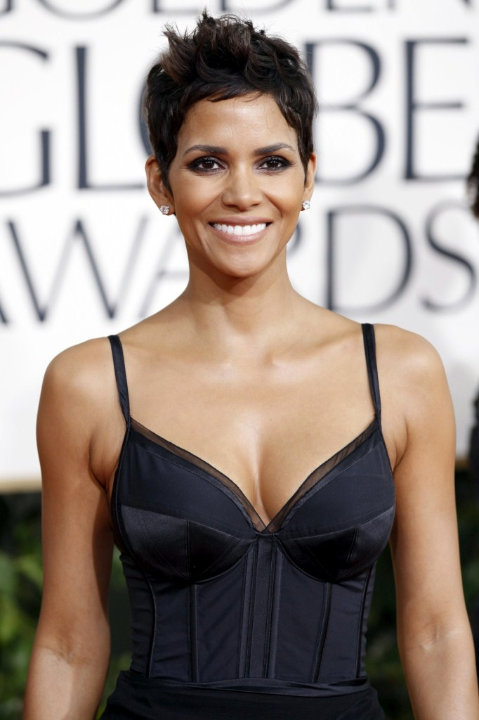 halle berry 2011 hairstyle. HALLE BERRY HAIRSTYLES 2011