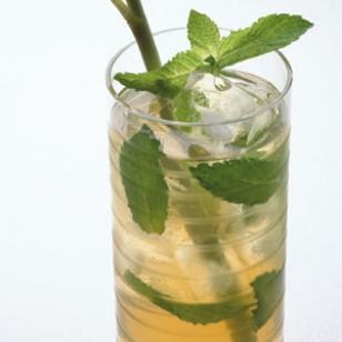 Articole culinare : Ceai verde cu mentă şi gheaţă