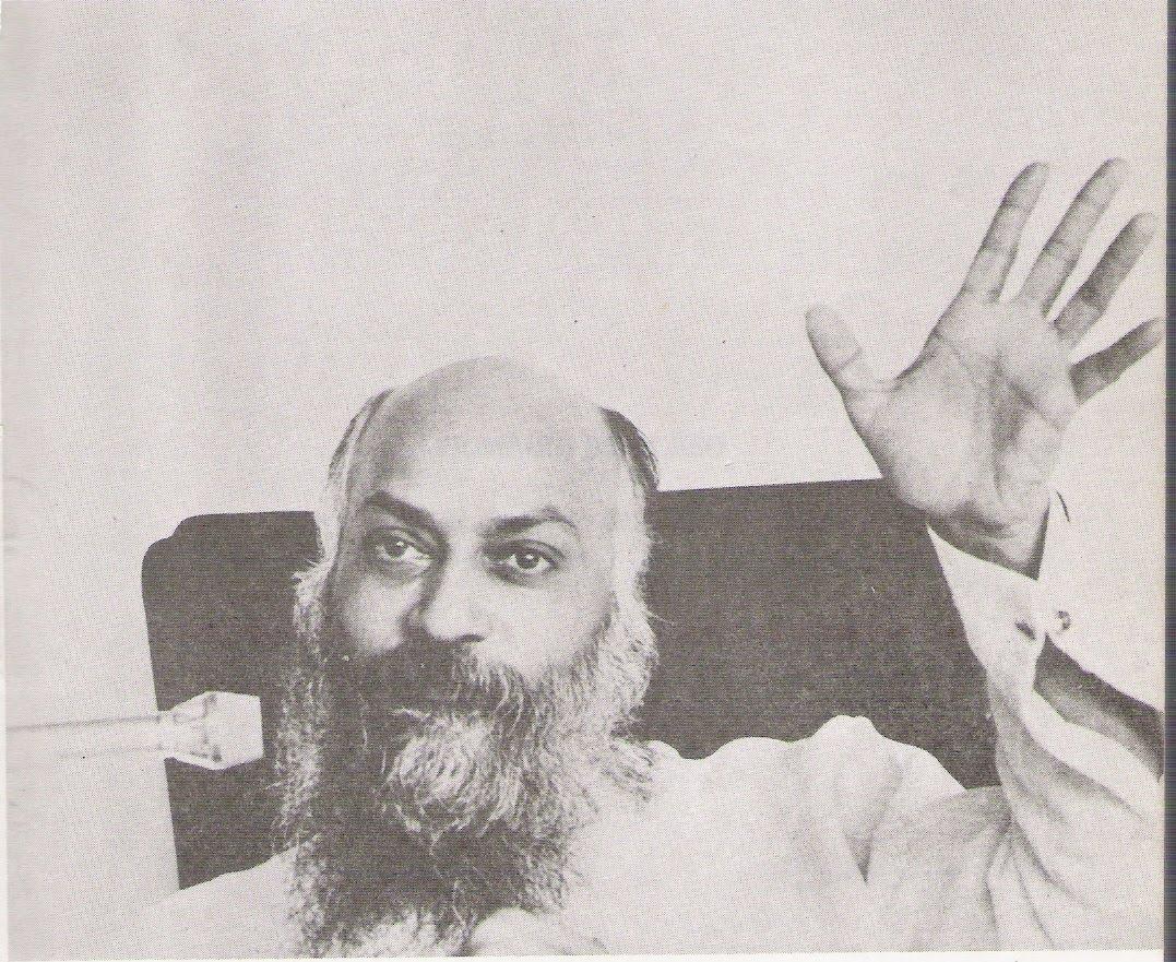 Hands: is this guru real? Rajneesh-Osho0156