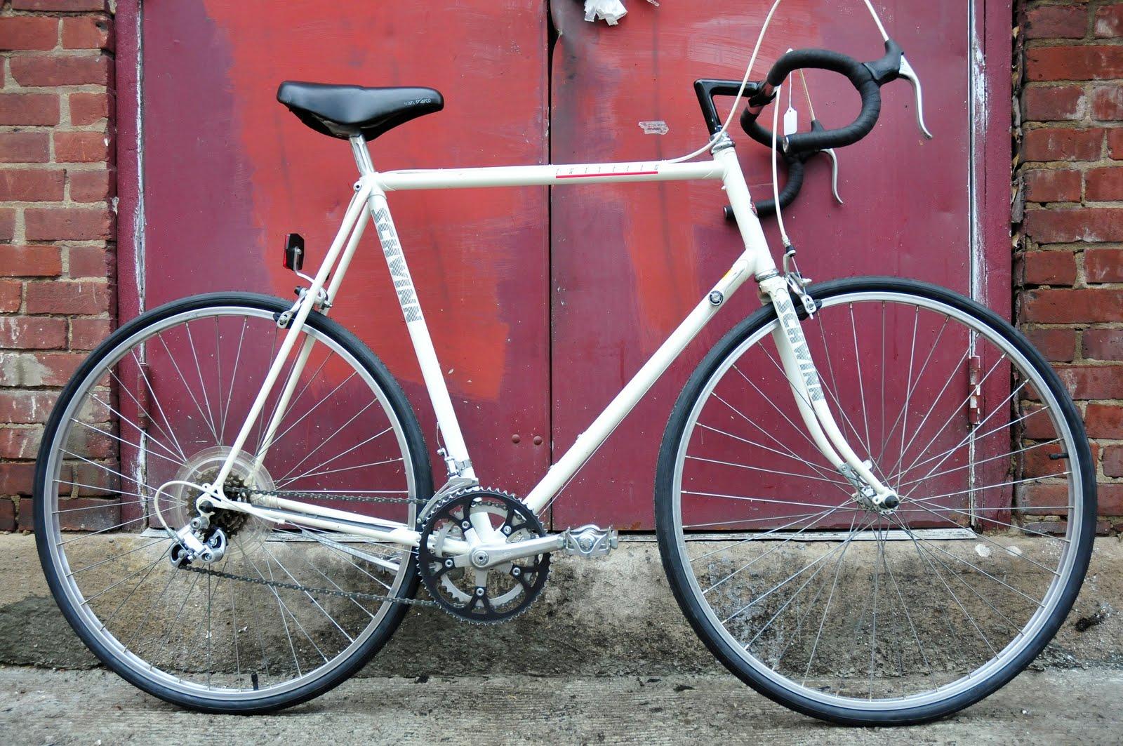 Vic\'s Classic Bikes: 63cm Schwinn Traveler