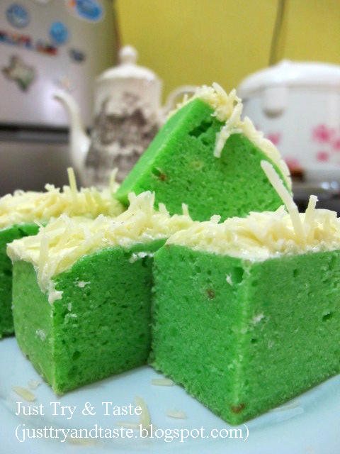 Brownies Kukus Keju Pandan (Pandan Cheese Brownies)