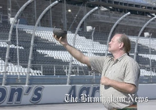 Medicine Man at Talladega seeks to foil curse