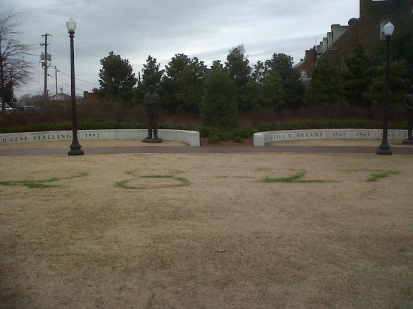 Auburn fans vandalize Alabama campus...again.