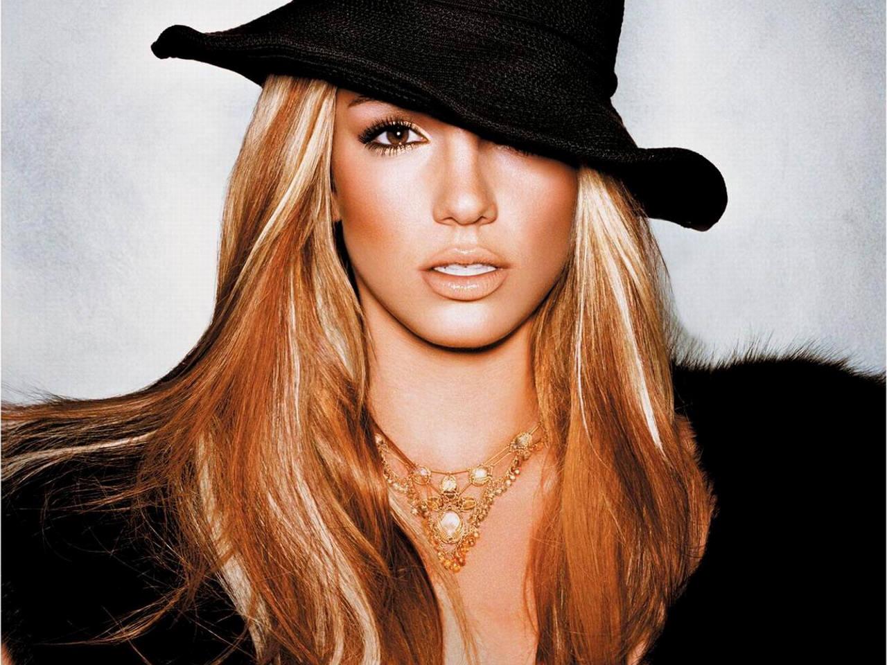 http://4.bp.blogspot.com/_yNFpw120XLc/TIfOa7q70CI/AAAAAAAAV8Q/SmH40NOKj90/s1600/Britney+Spears119-719474.jpg