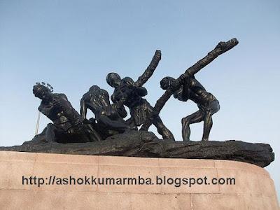 Chennai tour places marina ulaippalar statue