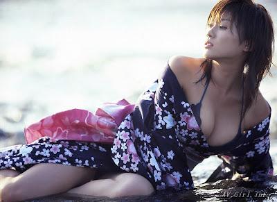 hot+kimono+girl++Mikie+Hara+11