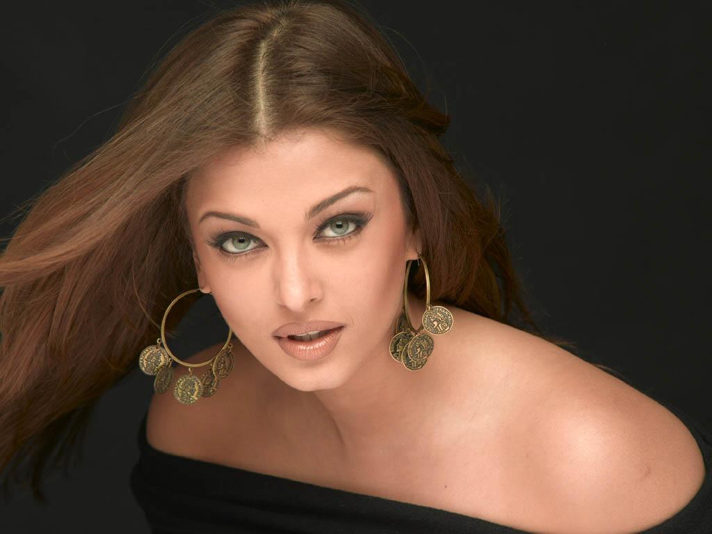 http://4.bp.blogspot.com/_yPGqKpTnDCQ/TEIbx_2c3-I/AAAAAAAAAdo/0okgWUDfg5s/s1600/Aishwarya+Ray+%2836%29.jpg