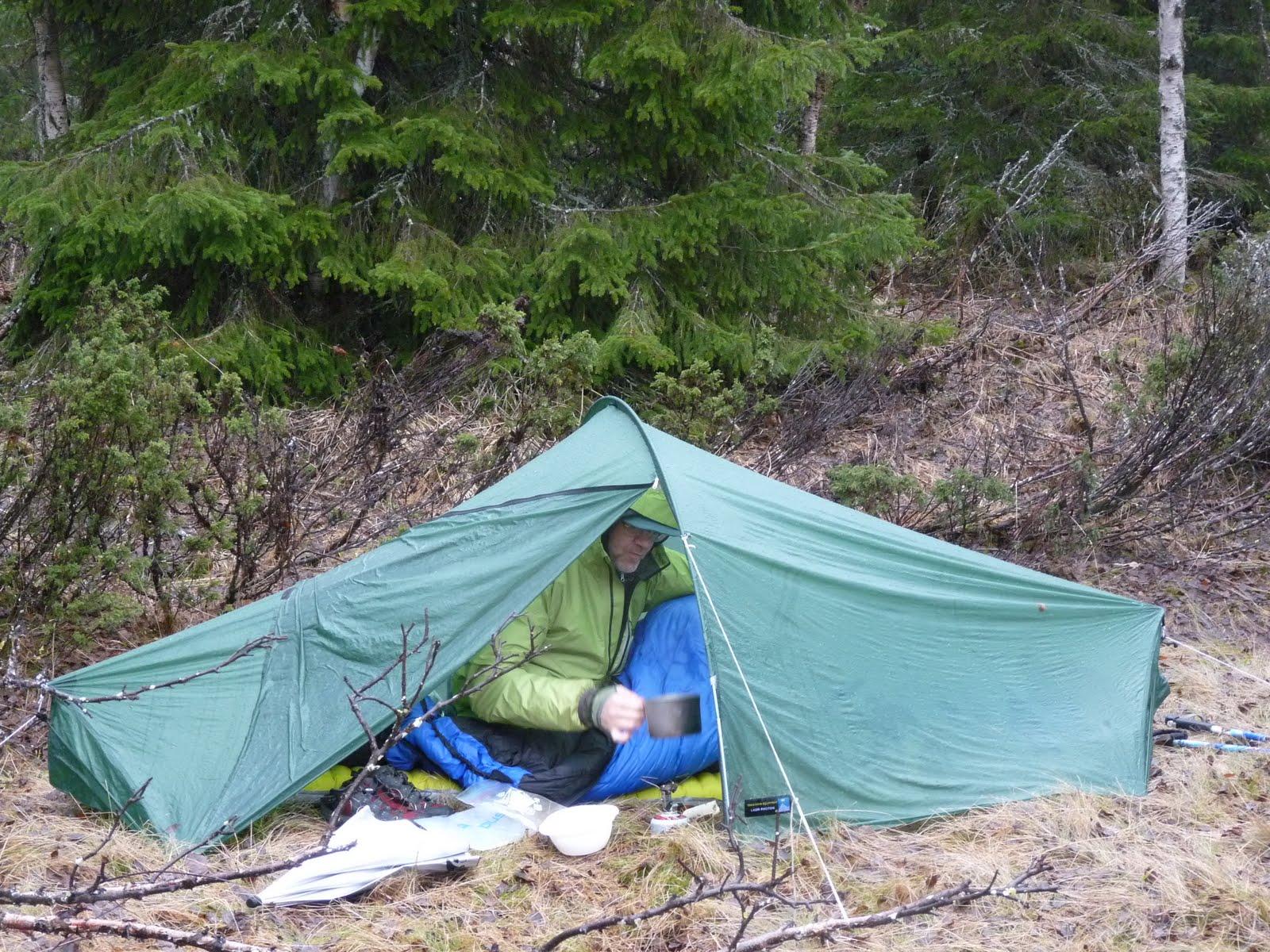 Using the tent as a tarp. Wet breakfast in Vålådalen. & TN Laser Photon - light and not half bad