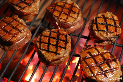 grilled filet mignon, Big Green Egg beef filet, kamado beef filet mignon
