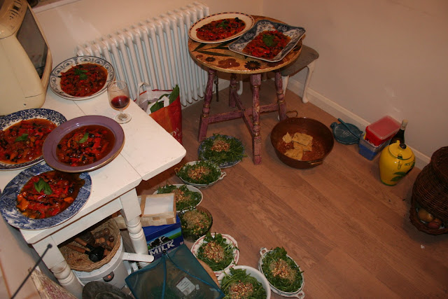 Sometimes I have to plate up on the floor: salad and pepperonata