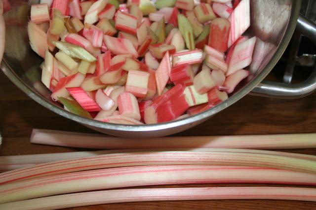 Rhubarb for the Eton Mess