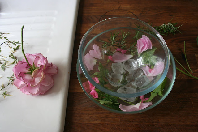preparing roses for crystallisation