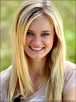 Sara_Paxton_The_Inkeepers_Ti_West