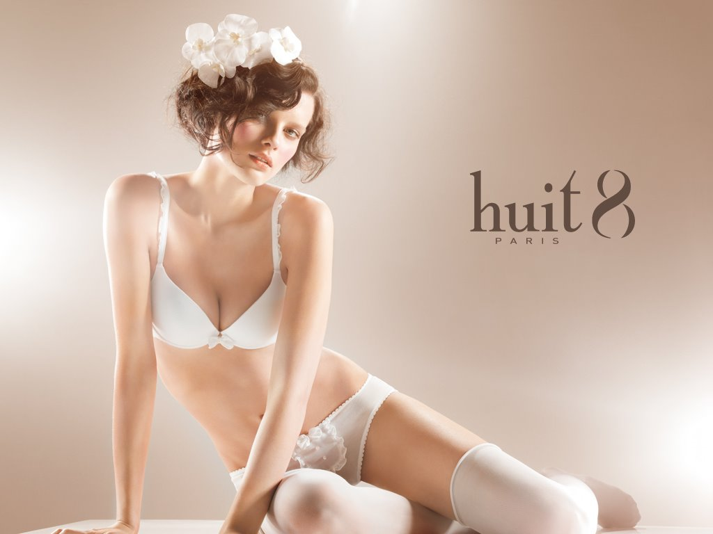 [huit+pretty+white]