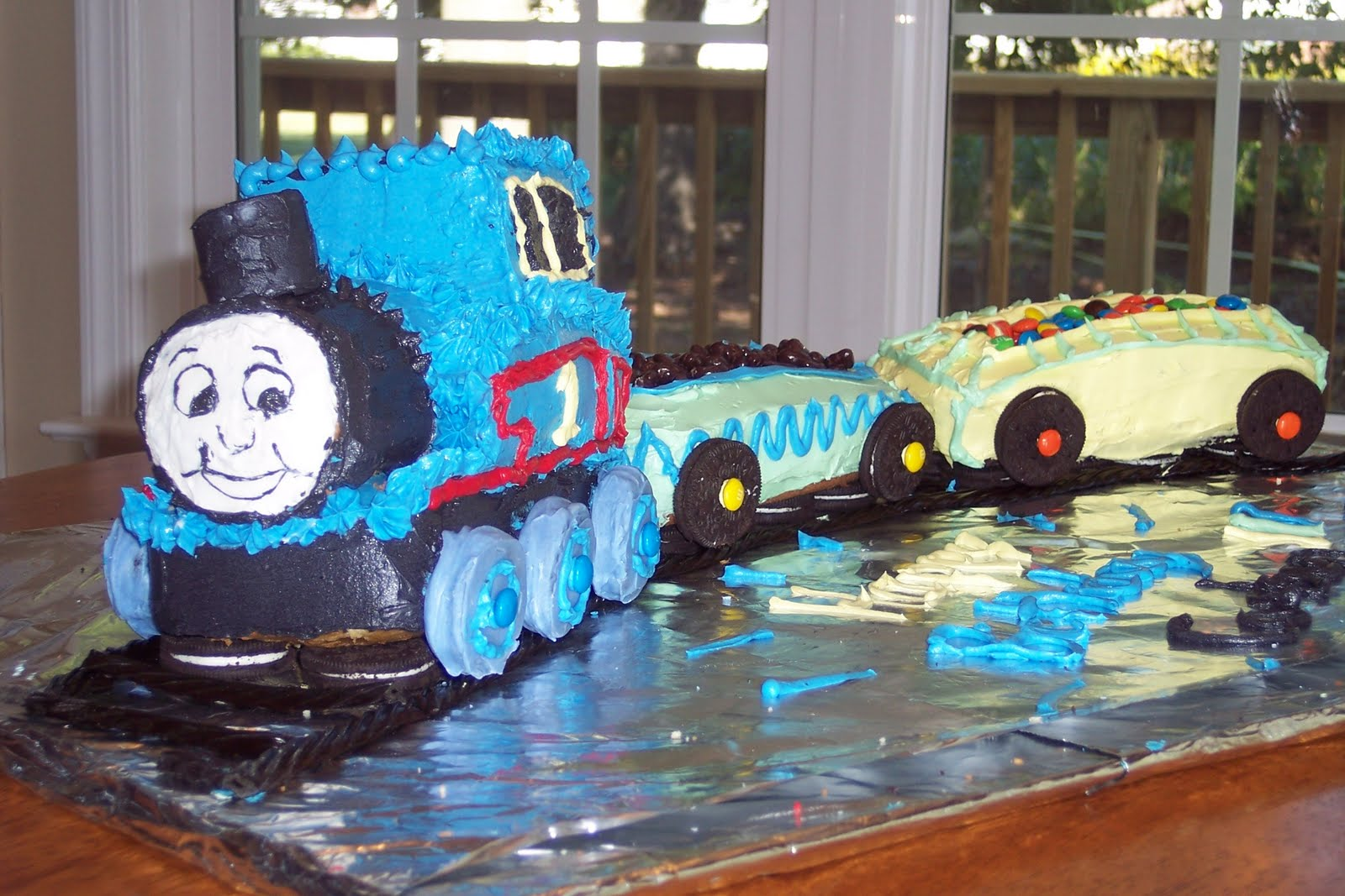 Family Food And Fun Thomas The Tank Engine Cake