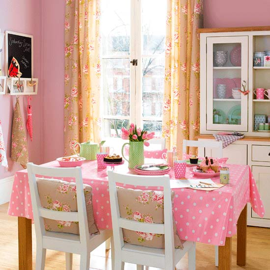 Royal t designs pink dining rooms a do or a don 39 t for Dining room t