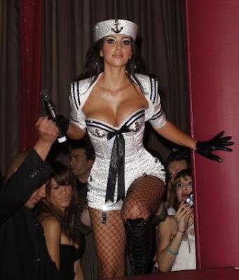 hot Kim Kardashian