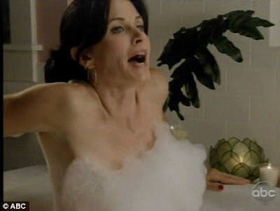 Courteney Cox Strips off In Cougar Town