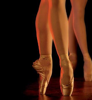 {تمتـــــــمات .. فوتو غرافيــــه..} - صفحة 5 Ballet_shoes