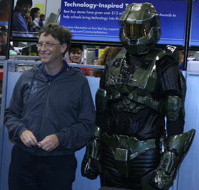 Bill Gates and Master Chief picture (c) JOANNAIRE from Flickr