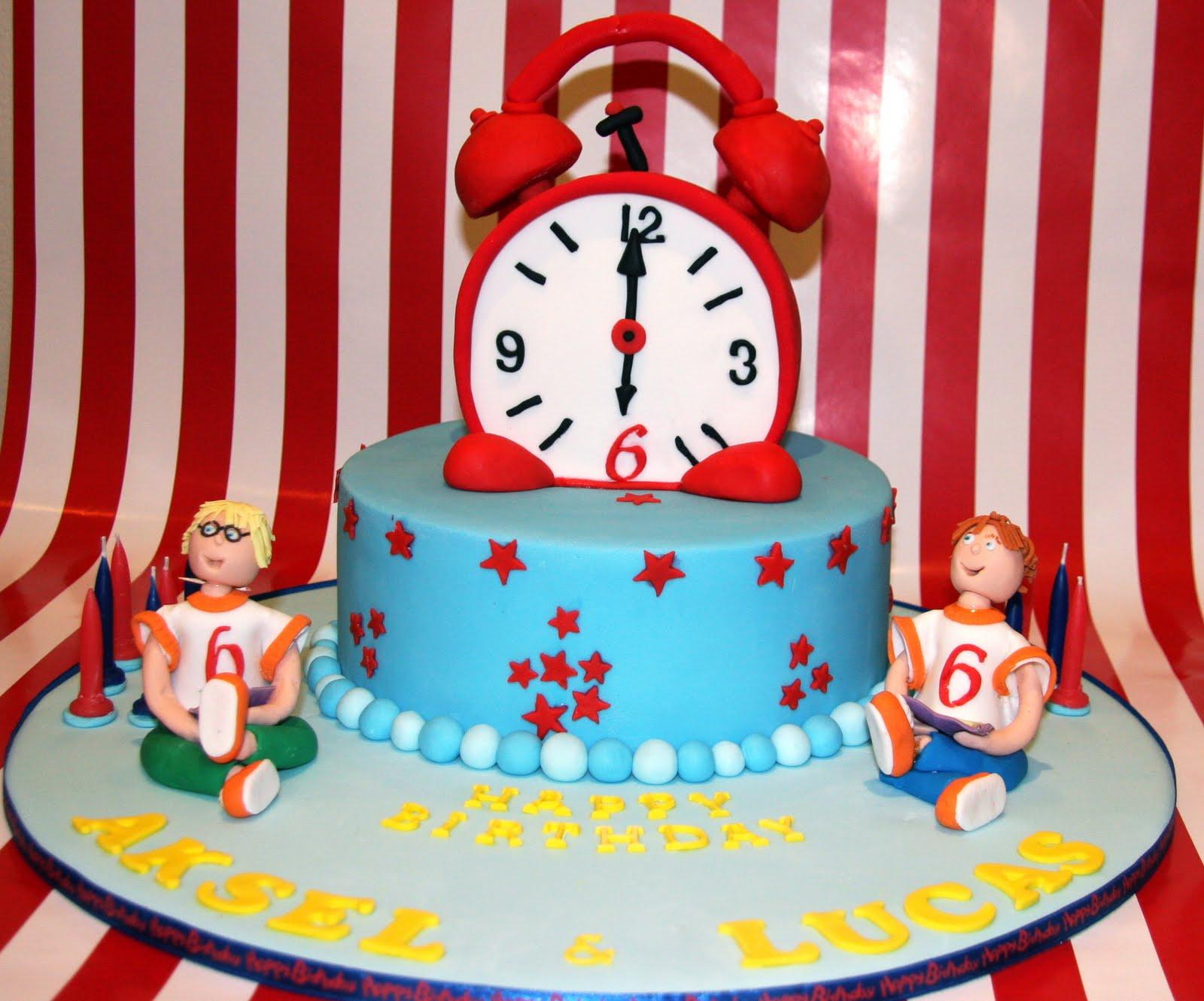 The Cupcake Fairy: CLOCK CAKE