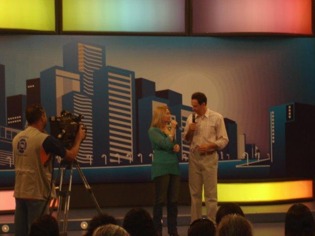 Valéria Rodrigues Na TV Cultura em Goiânia com o Apresentador Túlio Isac.