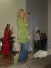 Valéria Rodrigues em Apresentação na Catedral de Brasília-DF