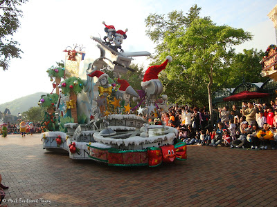Disney's Let It Snow Parade Photo 9