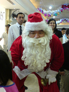 Singaporean Santa Claus picture 2