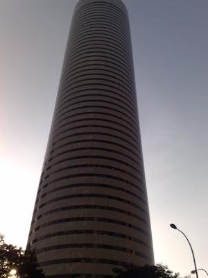 Singapore Building Picture 7