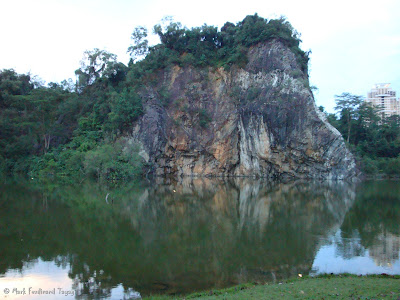 Bukit Gombak Lake Guilin Picture 4