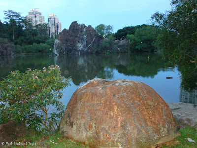 Bukit Gombak Lake Guilin Picture 6