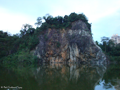 Bukit Gombak Lake Guilin Picture 1