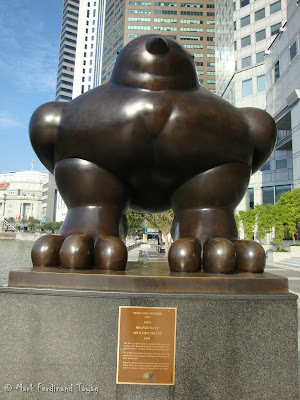 Bronze Bird Statue in Singapore Photo 2