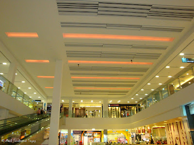 Sembawang Shopping Centre Photo 6