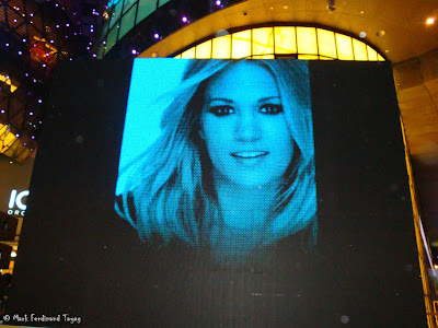 Carrie Underwood in Singapore Photo 9